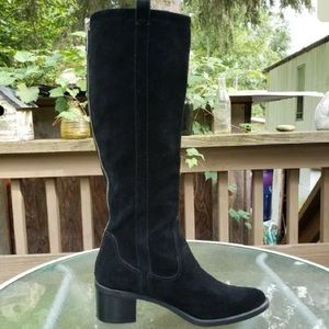 CALVIN KLEIN BLACK LEATHER TALL BOOTS. WORN ONCE